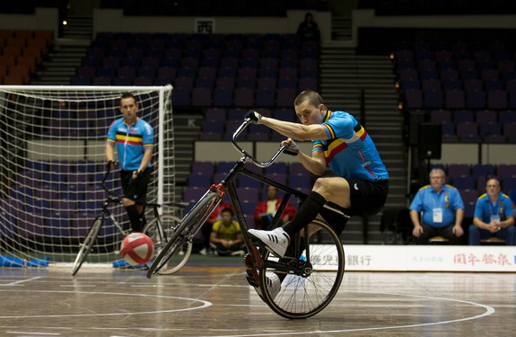 Belgian cycle-ball team in action at the World Championships in Japan
