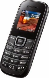 rediff.com: Buy Premium Dual Sim Mobile Phone With FM And Whats App at Rs.699