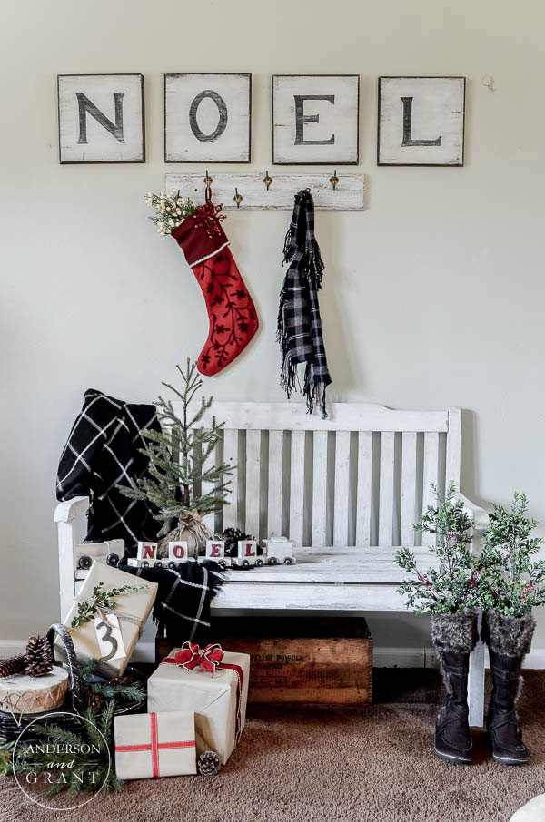 Entryway decorated for Christmas in the Christmas Home Tour 2015 with anderson + grant  ||  www.andersonandgrant.com