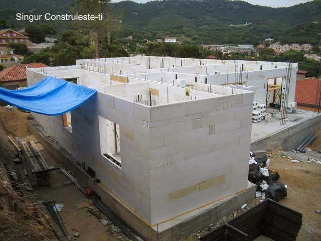 Construcción de una casa con Styro Stone en España