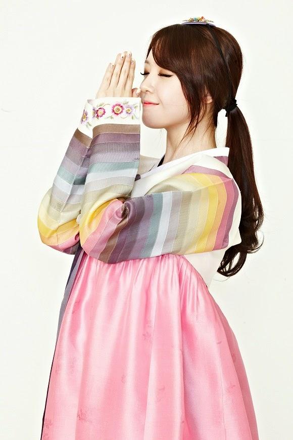Minah Girl's Day Hanbok