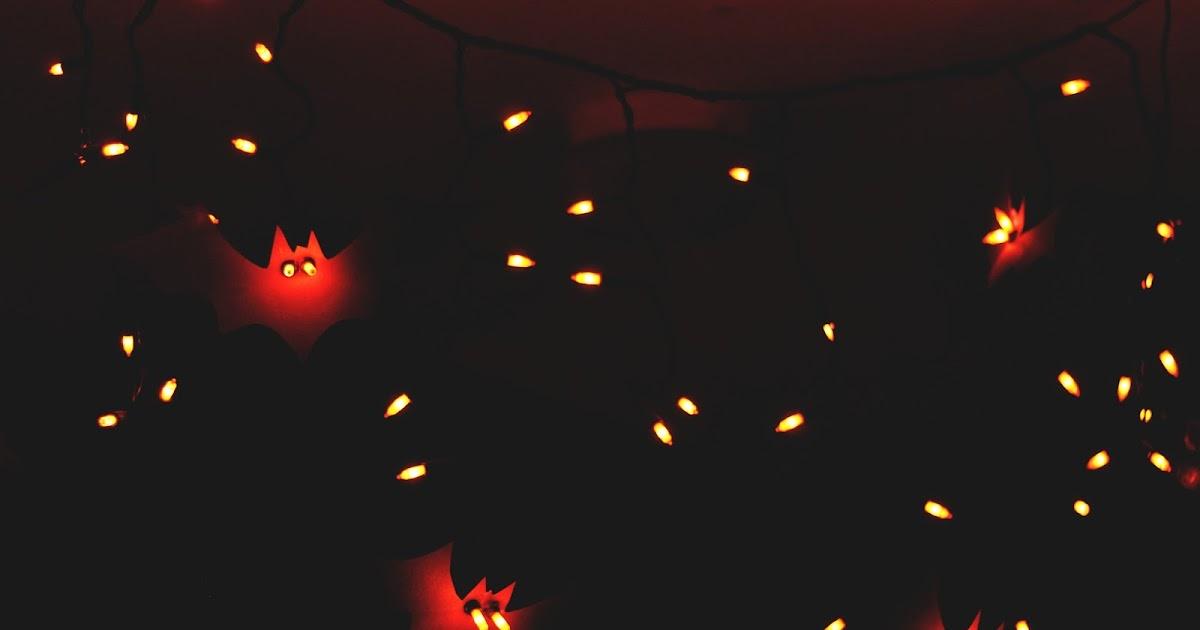 Zauberbear: Paper Bat String Lights