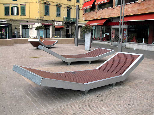 The new benches of the refurbished Piazza Attias, Livorno