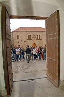 Ciudadanos se acercan a visitar la Diputación