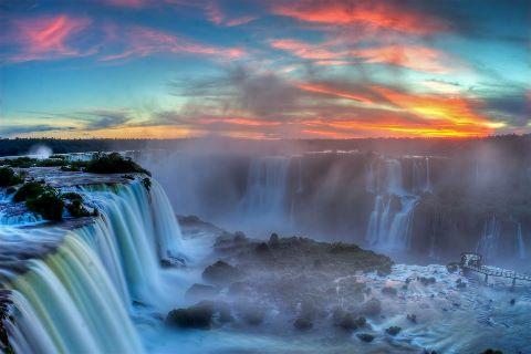 Berikut adalah daftar air terjun tertinggi di dunia yang bersumber