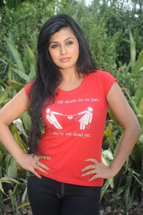 Aarthi Poori pictures
