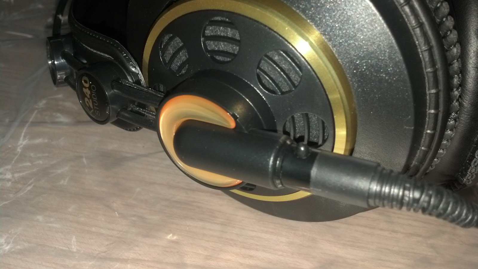 how to tell if akg k240 is made in china