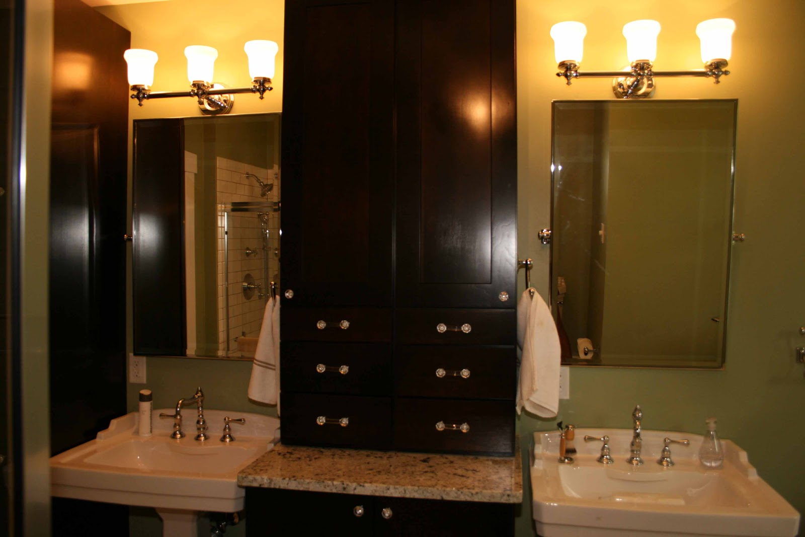 Simple  Bathroom  Traditional  Kansas City  By Kansas City Custom Cabinets