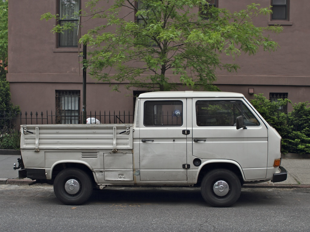 the street peep 1985 volkswagen type 2 t3 doka. Black Bedroom Furniture Sets. Home Design Ideas