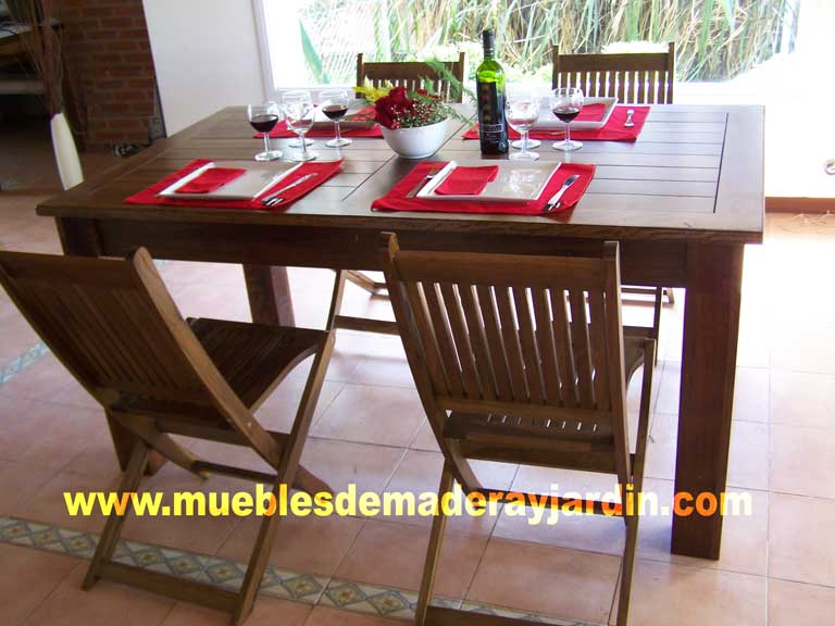 Modo adecuado de usar la vajilla tipos de mesas for Mesas de comedor cuadradas modernas