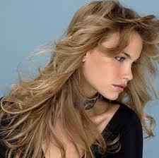 El cabello cenizo te da elegancia y calidez, ademas de resaltar tus