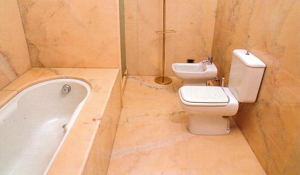 El mejor suelo para el ba o ideas para decorar dise ar for Banos marmol y madera