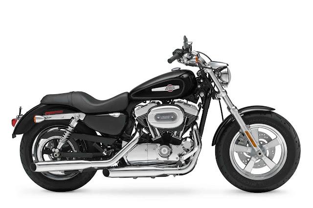 2012-Harley-Davidson-XL1200C-Sportster-Custom