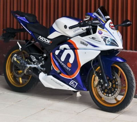 Gambar Modifikasi Motor Yamaha Vixion New Terbaru Putih Biru Sport