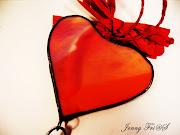 A los corazones rotos abrazo