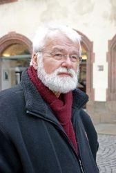 Helga König und Simone Langendörfer im Gespräch mit Karl Feldkamp