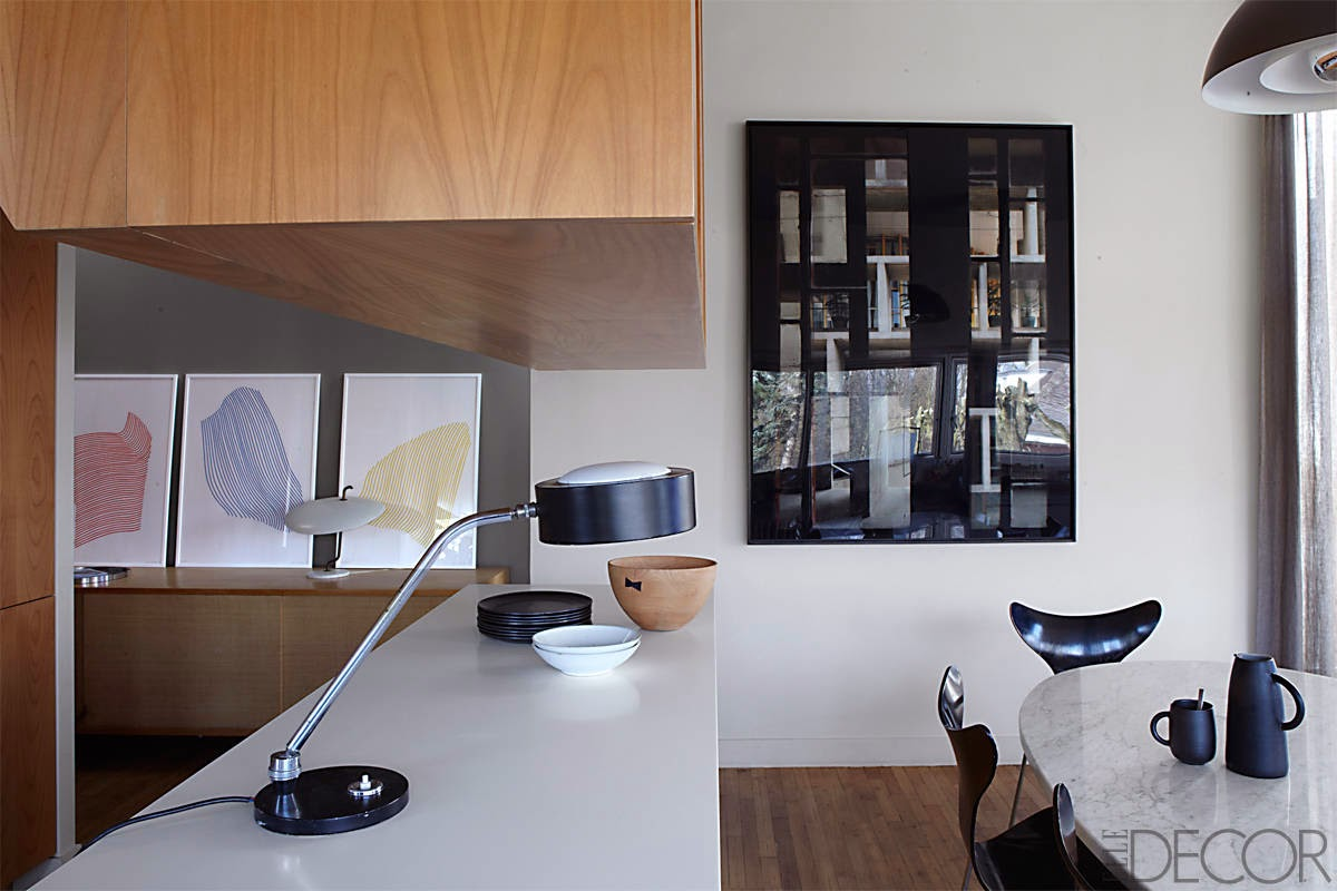 Renovierung einer Gertud Stein Wohnung im Sinne Le Corbusier in Paris: Küche und Esszimmer mit Arne Jacobsen