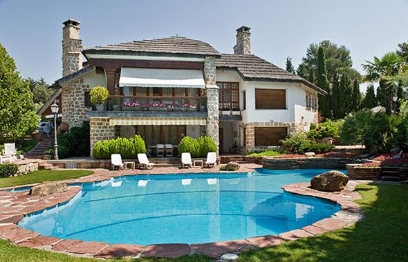 Sunright casas de en sue o for Casas bonitas con alberca y jardin