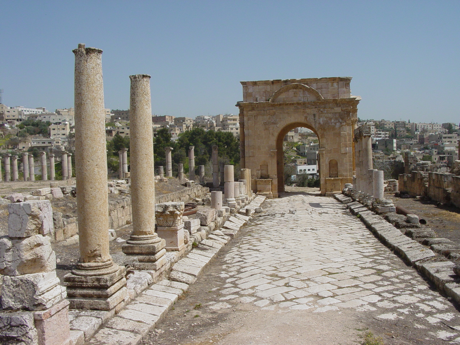 Jerash Jordan  city pictures gallery : ... /Jerash ; http://almashriq.hiof.no/jordan/900/930/jerash/jerash.html