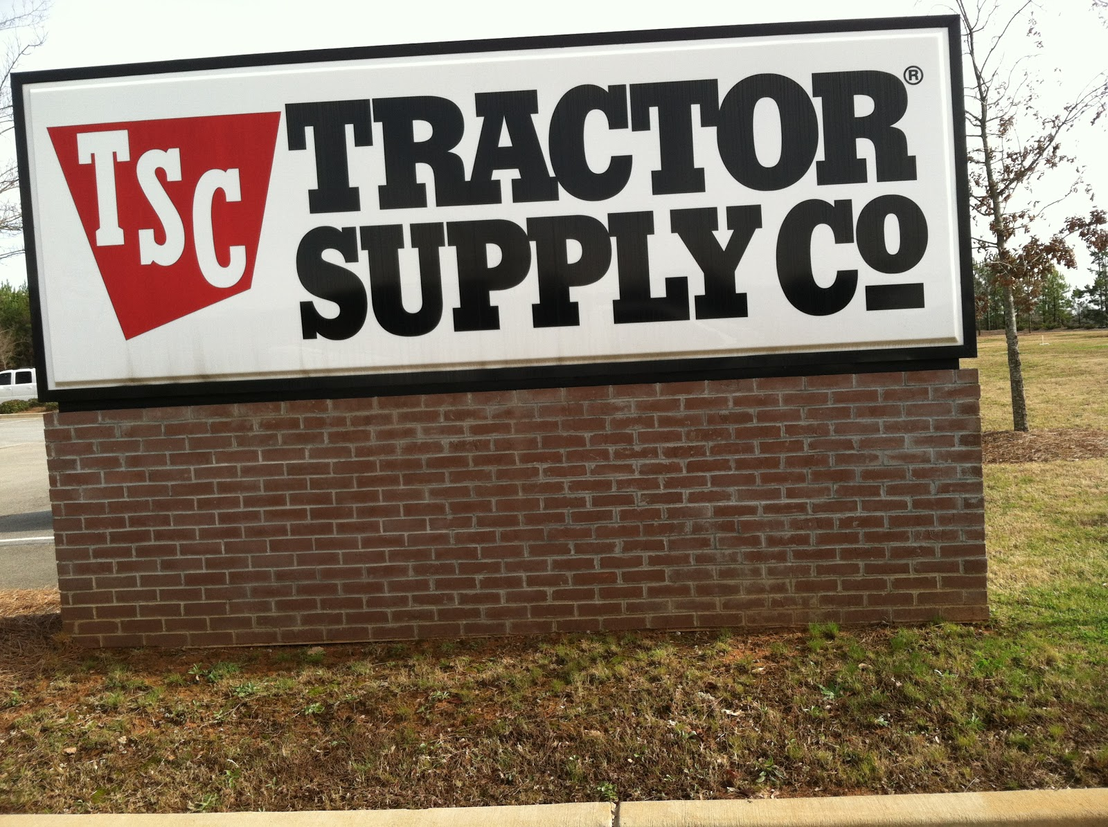Tsc Tractor Supply Catalog : Two sisters gardening my favorite neighborhood store