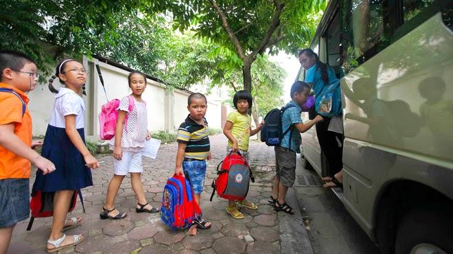 thuê xe đưa đón học sinh tới trường