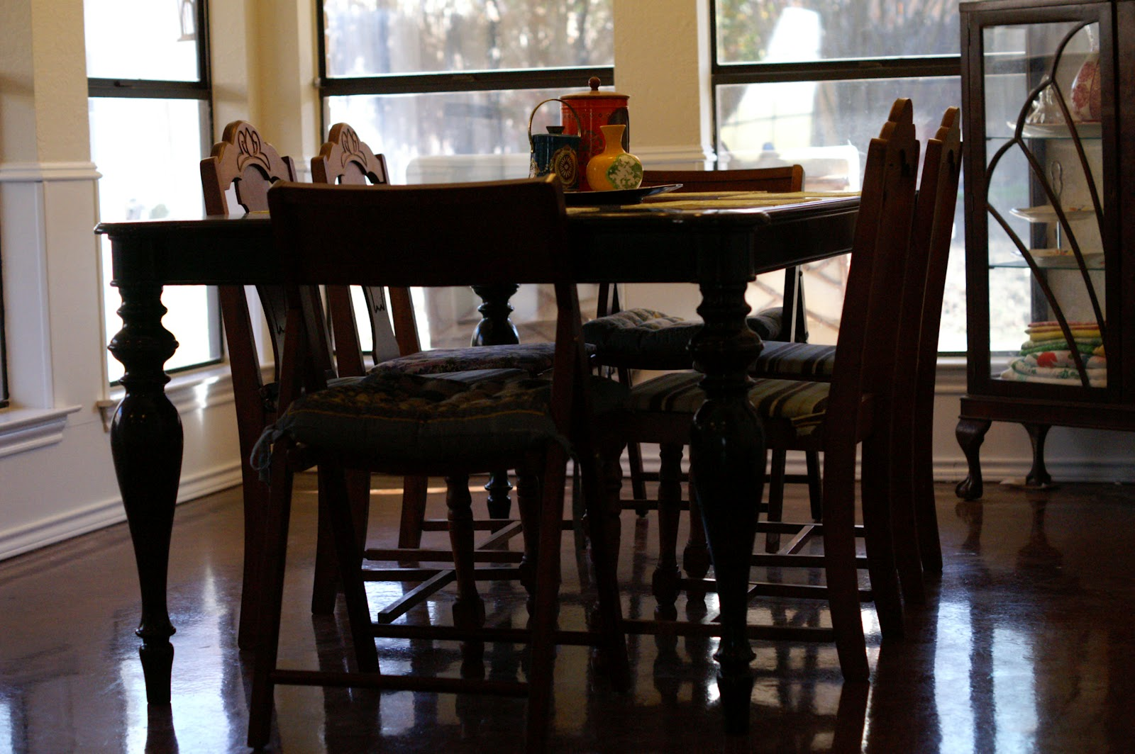 Pier Dining Room Table Chairs Collective Dwnm, Dining Tables