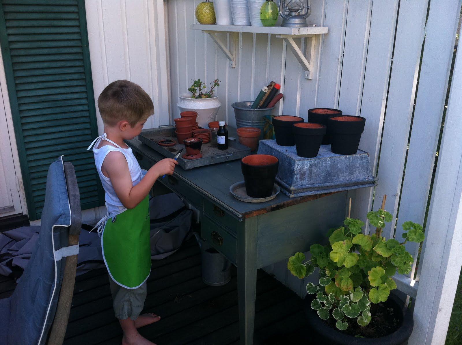 Njut i din trädgård: pyssel i trädgården