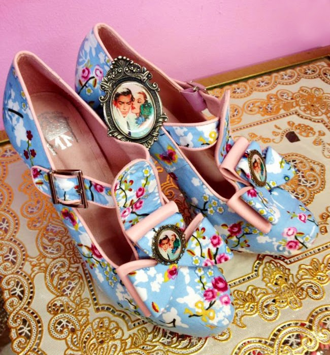 moskitas muertas, shoes with flower print, pastel shoes
