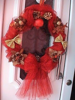 φτιαξτε πανευκολα χριστουγεννιατικα στεφανια