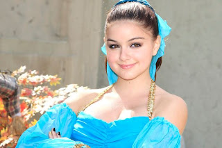 Ariel Winter Beautiful Picture