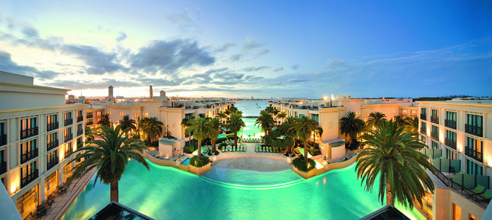 Luxury life design palazzo versace hotel to open in dubai for Best hotels in dubai for couples
