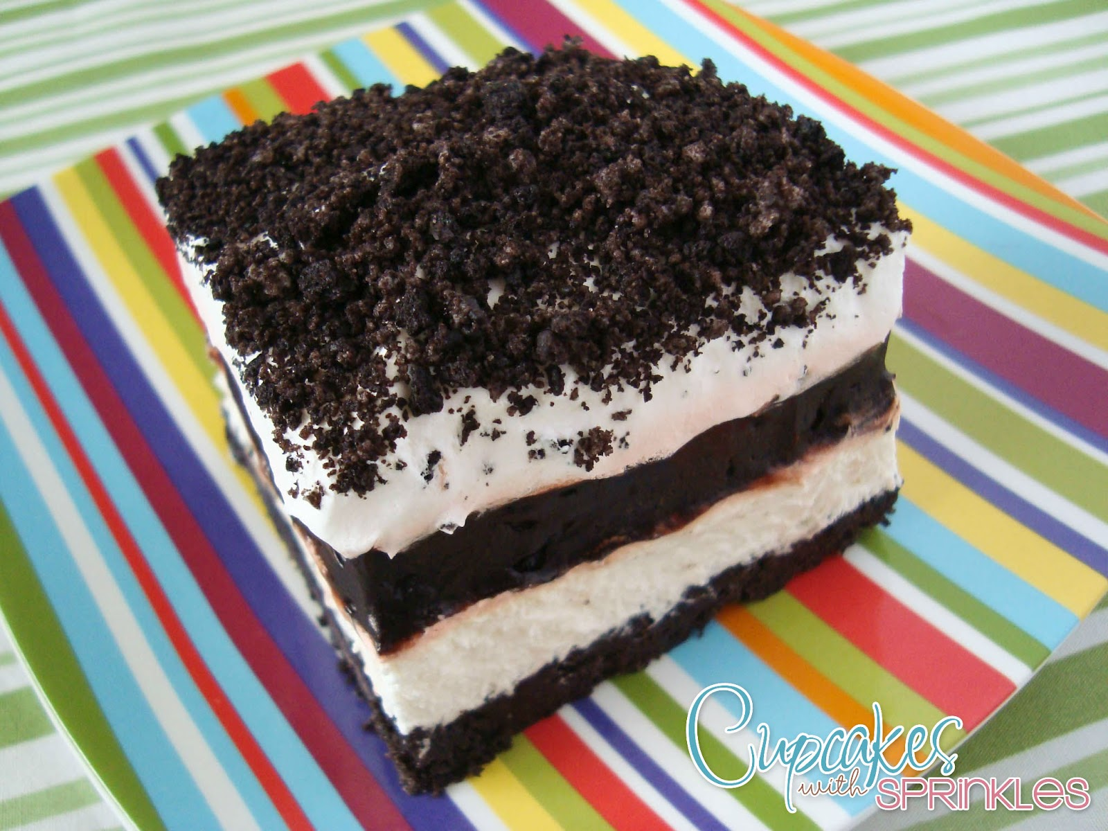 Oreo Whip Cream Pudding Dessert http://cupcakeswithsprinkles.blogspot.com/2012/05/oreo-pudding-layered-dessert.html