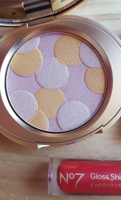 No.7 80th Anniversary Radiant Shimmer Powder