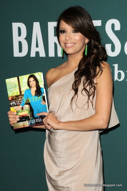 Eva Longoria - Barnes & Nobles in Los Angeles-11