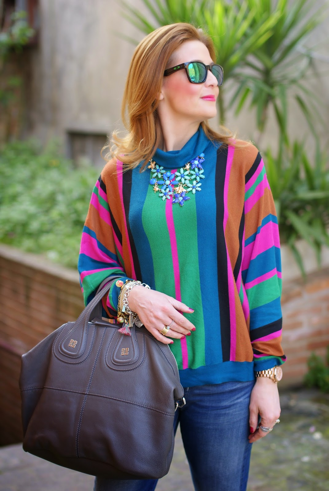 Givenchy Nightingale bag, 70s style, striped top, flower gems necklace, Fashion and Cookies fashion blog, fashion blogger