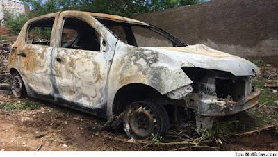 Carro achado queimado em Reriutaba pode ter sido usado em homicídio em Ipu.