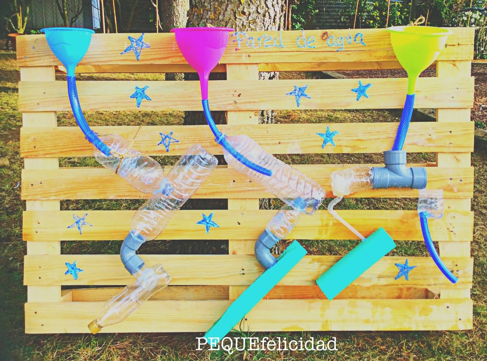 Pequefelicidad 10 juegos con agua para ni os de 1 a 2 a os for Actividades para jardin