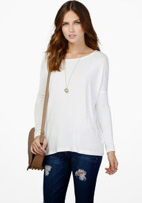 http://www.sheinside.com/White-Long-Sleeve-Batwing-Loose-T-Shirt-p-194420-cat-1738.html?utm_source=julietsthreads.blogspot.jp&utm_medium=blogger&url_from=julietsthreads.blogspot.jp