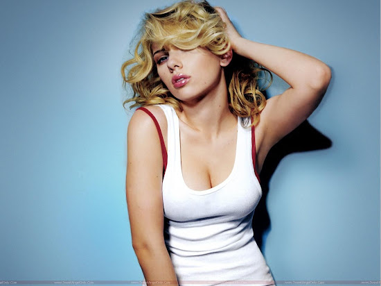 Scarlett_Johansson_hot_lips