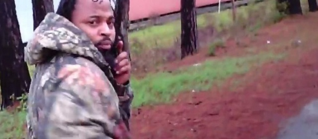 Βίντεο: Συγκλονίζει το ντοκουμέντο με Αφροαμερικανό άνδρα που πυροβολεί αστυνομικό