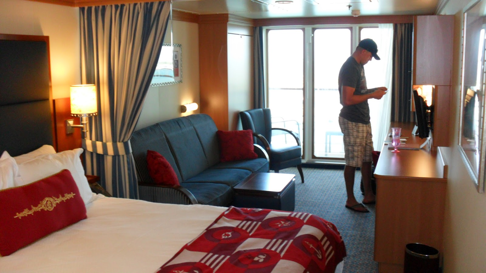 Disney Cruise Rooms For 6 Viewing Gallery