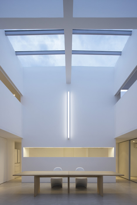 Minimalist design house japanese shinichi ogawa for Minimalist living japan