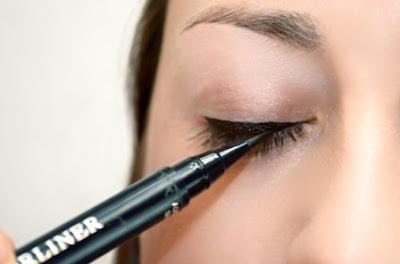 Eyeliner Untuk Membuat Tampilan Mata menjadi Menarik