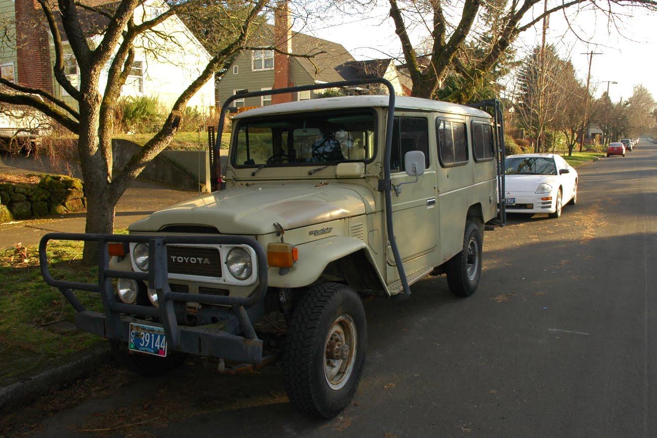 http://2.bp.blogspot.com/-HJk23rmVeS8/T2Ua_CXuGqI/AAAAAAAAO1M/9jxS57gFVPk/s1600/1965-1966-Toyota-Land-Cruiser-HJ45-HJ-45-HJ47-HJ-47-troop-troopy-4wd-four-wheel-drive-long-wheelbase-turbo-diesel-FJ45-FJ47-SUV-sport-utility-vehicle-biodiesel-2.jpg