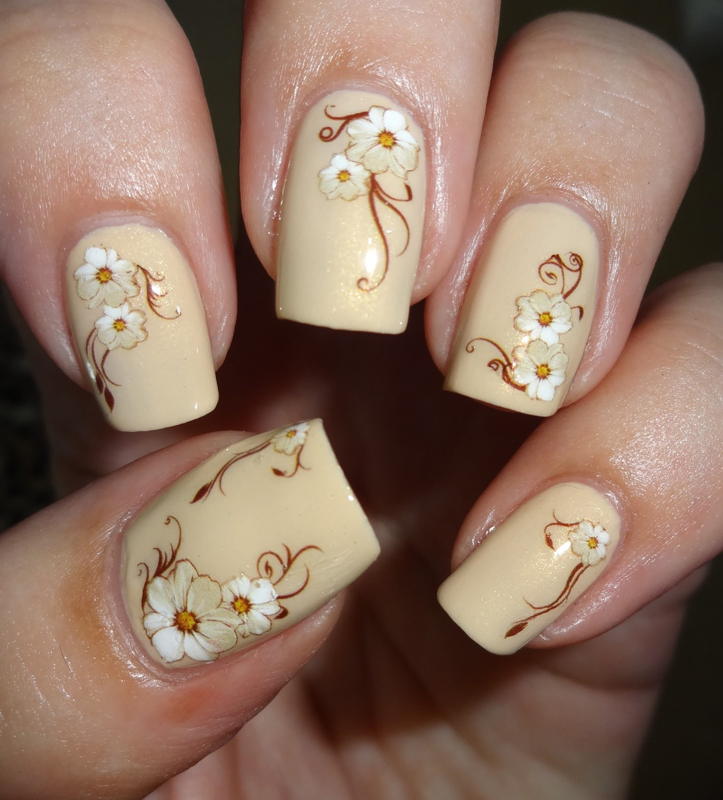 Wendy\'s Delights: Viva la Nails - Water Decal Flowers
