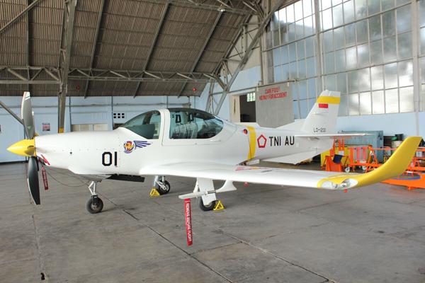 Pesawat Grob G120 TP