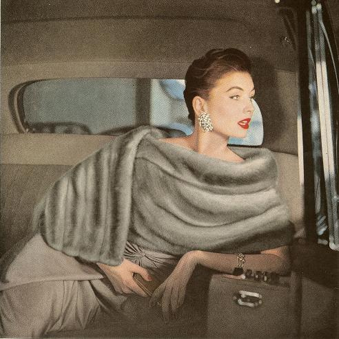 [Image: Suzy+Parker+vintage+50s+model+fashion+fur+taxi.jpg]