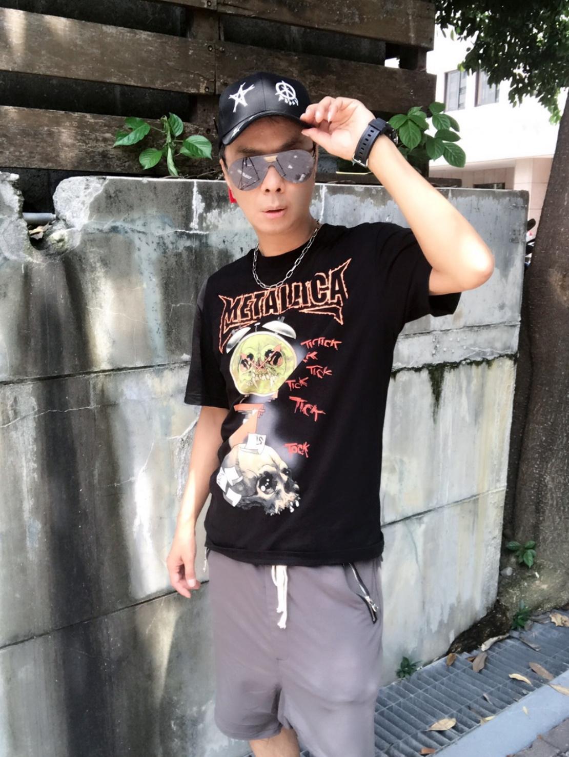 徐瑋最近成了韓風男裝品牌代言人