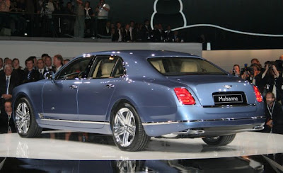 2011_Bentley_Mulsanne_Side_Rear_View