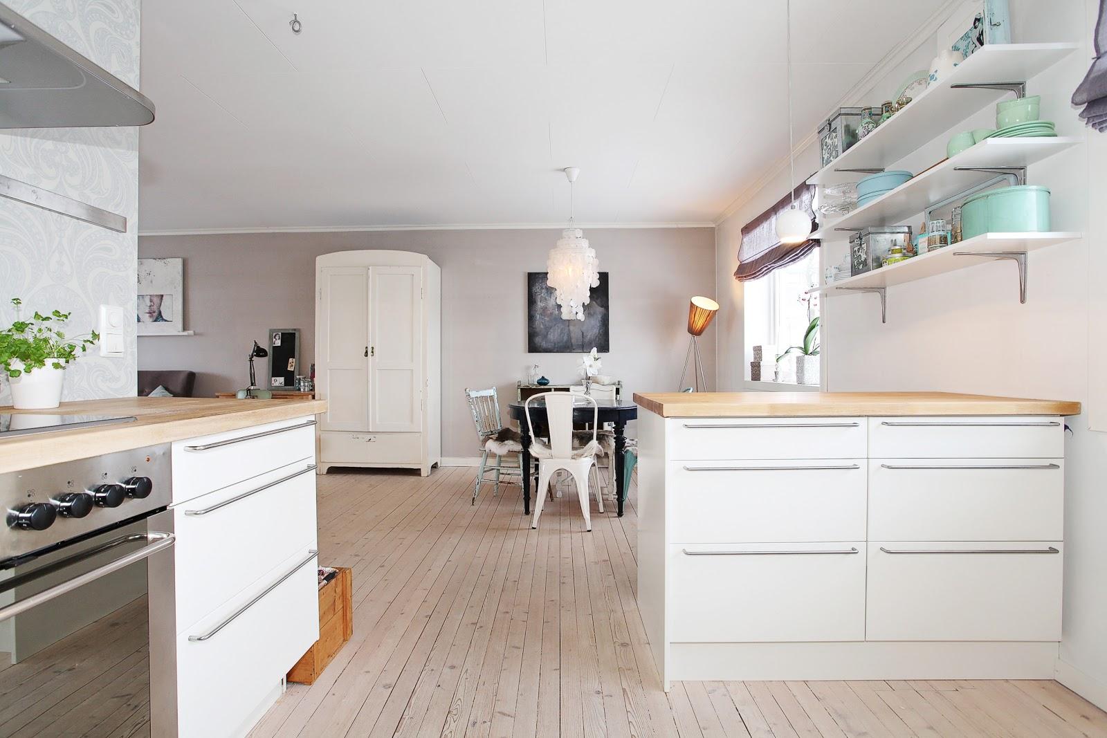 clementine kj kkenet v rt. Black Bedroom Furniture Sets. Home Design Ideas